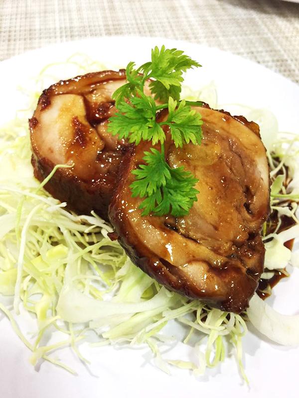 1月11日に博多阪急にて、山際千津枝さまによる 「はかた地どり」料理教室が開催されました!5