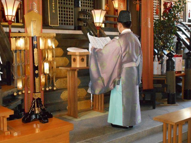 櫛田神社に『はかた地どり』を奉納いたしました02